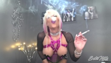 VS120 Exhales in Your Face - Nikki Ashton -
