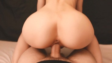 Beauty with perfect ass jumps on cock. Hommade amateur