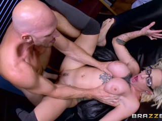 Brazzers Hottie student Harlow fucks her Dean to get away from trouble Harlow Harrison, Johnny Sins