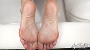 Splatter My Oily Soles - Feet JOI - Nikki Ashton -