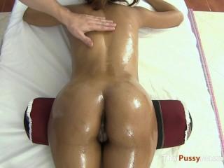 Perfect ass on Asian oil massage