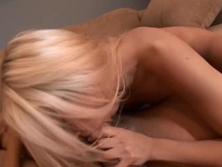 Bubble Butt Blonde Vixen Rides Long Dick