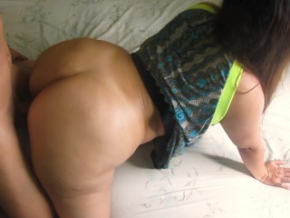Big ass latin girl just wants his cum in her mouth