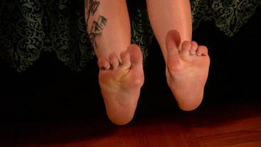 Sexy blonde Country MILF Dani Arcadia shows off her feet
