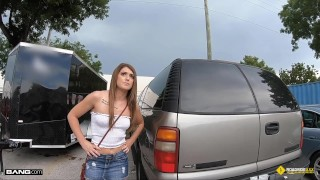 Roadside – Teen Fucks The Mechanic For Discount