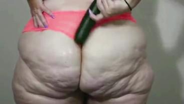 Cucumber ass clenching BBW