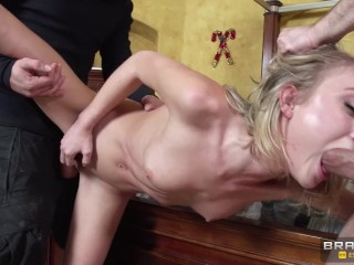 Sex Sexy Pussy Lips Brazzers - Home Alone Dakota Skye Gets For Xmas Two Big Hard