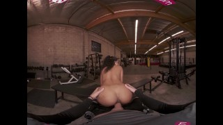 VRBANGERS Sexy Ebony September Reign Take A Big Cock At The Gym VR Porm