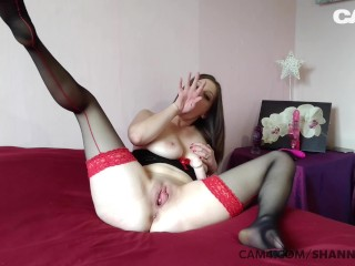 The Webcam Experience Presents Sexy Brunette MILF with Natural Tits Fists Her Pussy | CAM4