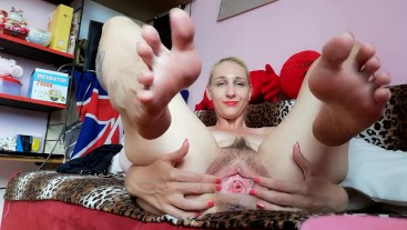 Cute blonde Big feet and little pussy gaping