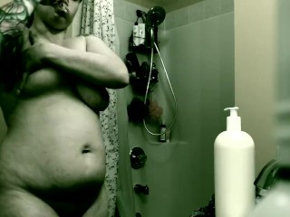Real Spy cam Drying off after shower Beautiful boobs