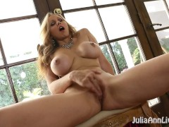Amazing MILF Julia Ann Gets Off For You!