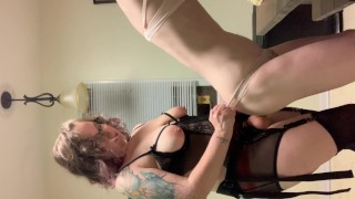Curvy MILF domme pegs her sub until they squirt