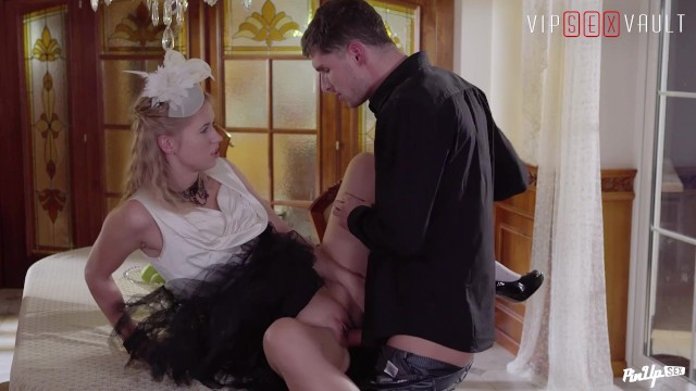 VIPSEXVAULT - Hot Blonde Teen Nailed By BoyFriend Before Going Out