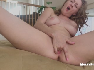Please Watch Me Fingering My Tight Wet Pink Pussy Until I Cum – Molly Pills