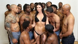 Dr. India Summer Conducts Her Largest Group Therapy Session To Date!