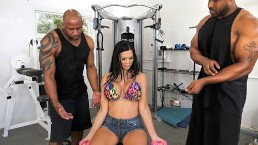 Hot Housewife Jasmine Jae Gets DP'd By Black Trainers