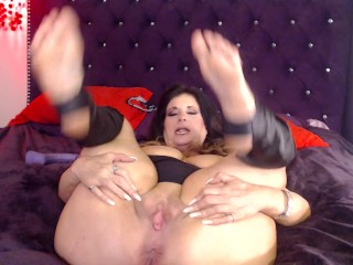 MATURE PUSSY full of cum from fucking BBC for you to eat