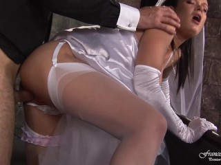 Bride fucked dotyle by the priest before the wedding