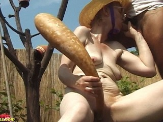 years old mom outdoor fucked