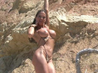 Big Boobs Brunette Thot´s Mallorca Holiday Turned into a Sexy Strip Show