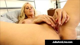 Self Pleasuring Cougar Julia Ann Dildo Drills For Horny Fan!