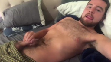 Bearded otter rubbing it out to a hot porno