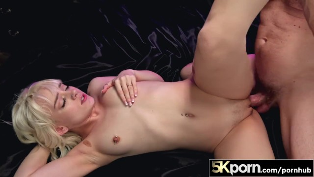 5KPorn - Tiny Blonde Spinner Naomi Nash In Ultra HD Fucking