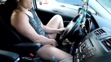Milf Masturbating while driving
