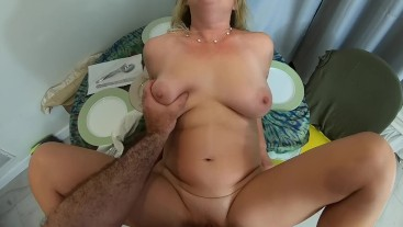 Busy stepmom helps horny stepson - Erin Electra