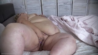 Hot Girl Fattened to SSBBW By Alien Feeders IVY DAVENPORT