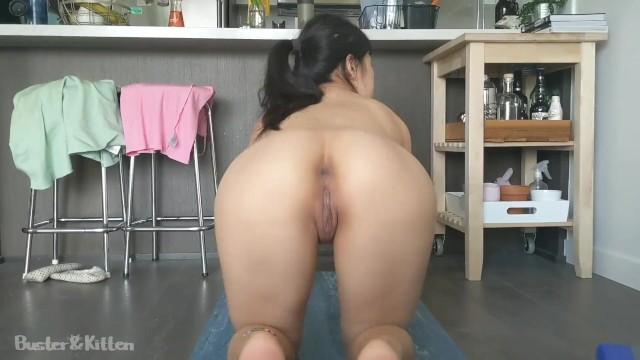 Eaga naked - Asian girl gets horny doing yoga naked