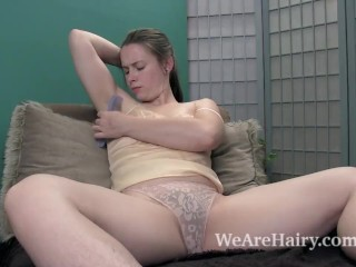 Sammi combs her hairy legs and enjoys her body (14 Aug 2019)