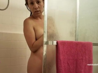 Claudia Fox Caught Shower Spy