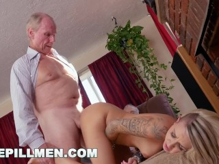 BLUE PILL MEN – Young Presley Carter Takes Old Man Cock For Concert Tickets