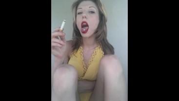 Sweet smoking Roxy tongue ash- grey eyed angel flashing n yellow dress+keds