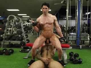 GAYWIRE - Atlas Grant Fucks Sir Jet At The Gym And It's Spectacular