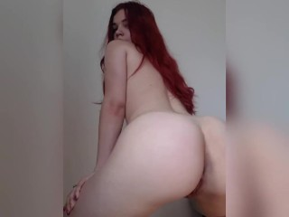 Teen redhead twerking naked (16 Aug 2019)
