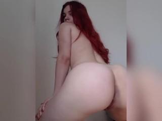 Teen redhead twerking naked