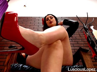 Luscious Lopez high heels mistress