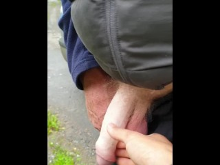 Hung straight mate caught pissing outdoor (20 cm) (19 Aug 2019)