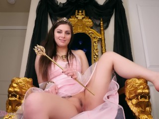 HER ROYAL HIGHNASS THE DUCHESS OF TOOTS farting pov Ellie Idol