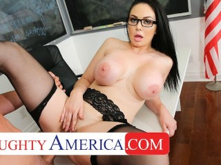 Naughty America – Brooke Beretta is horny and wet for her student
