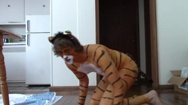 Striped pot holders set orange Tiger boy gets painted
