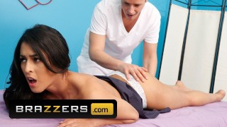 Brazzers – Tigh Latina Sophia Leone gets a massage with a side of cock