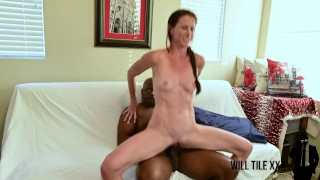 Super fit tall milf takes bbc on webcam for cumshot