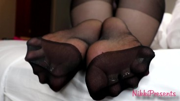 Pantyhose Soles Make You Weak Toe Spreading Toe Pointing