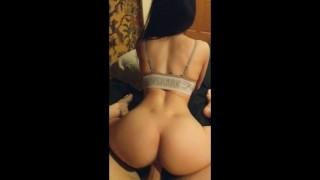 Gymshark girl with perfect ass loves riding his big cock - Amateur Saerosoh
