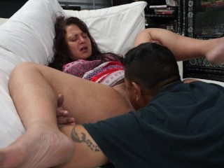 Stepmom lets sons friend lick up creamy wet pussy juice (27 Aug 2019)