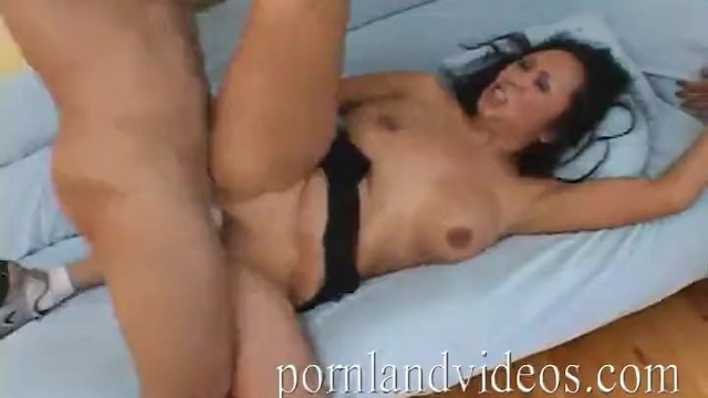 PORNLANDVIDEOS Mature Mom dirty talk orgasm